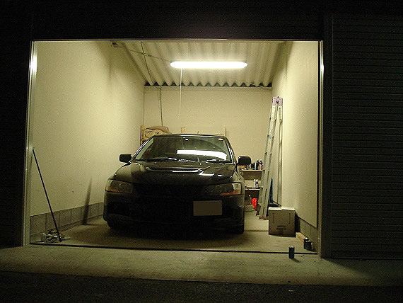 走り屋日記:ガレージにライトを導入!